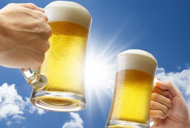Uống bao nhiêu rượu, bia để không vi phạm giao thông?